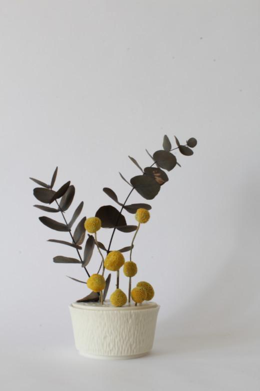 Pique fleur porcelaine - Clotilde Debain céramique